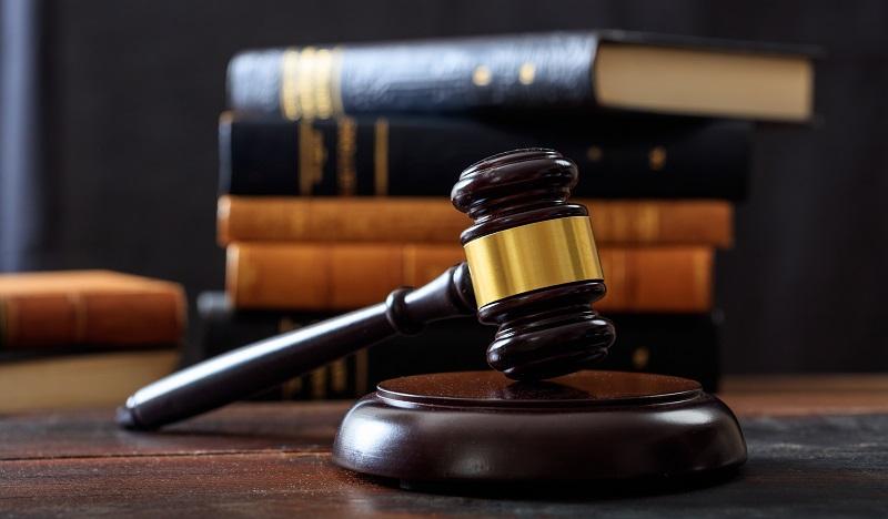 TRABALHADORES E JUSTIÇA DO TRABALHO